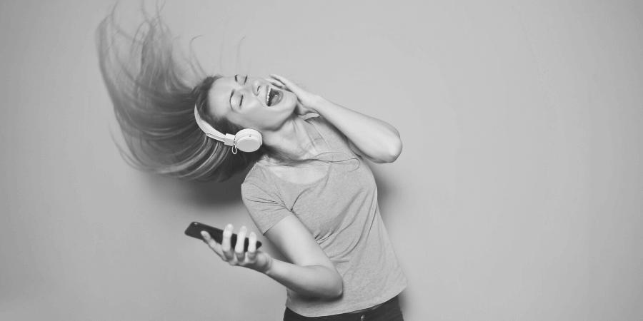 saralenaprobst.com, Blog about Music, Music Blog, BlackbirdPunk, Blackbirdpunk Consulting, Digital Consulting for the Music Industry, music industry digital entertainment agency, Berlin, berlin, digital, work digital, freelancer digital music industry