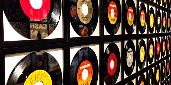 Vinyl Records Lingo, Vinyl Vocabulary, Vinyl Records Lingo, how to talk vinyl, vinyl vocabulary, important vinyl words, BlackbirdPunk Consulting, Digital Consulting for the Music Industry, music industry digital entertainment agency, Berlin, berlin, digital, work digital, freelancer digital music industry